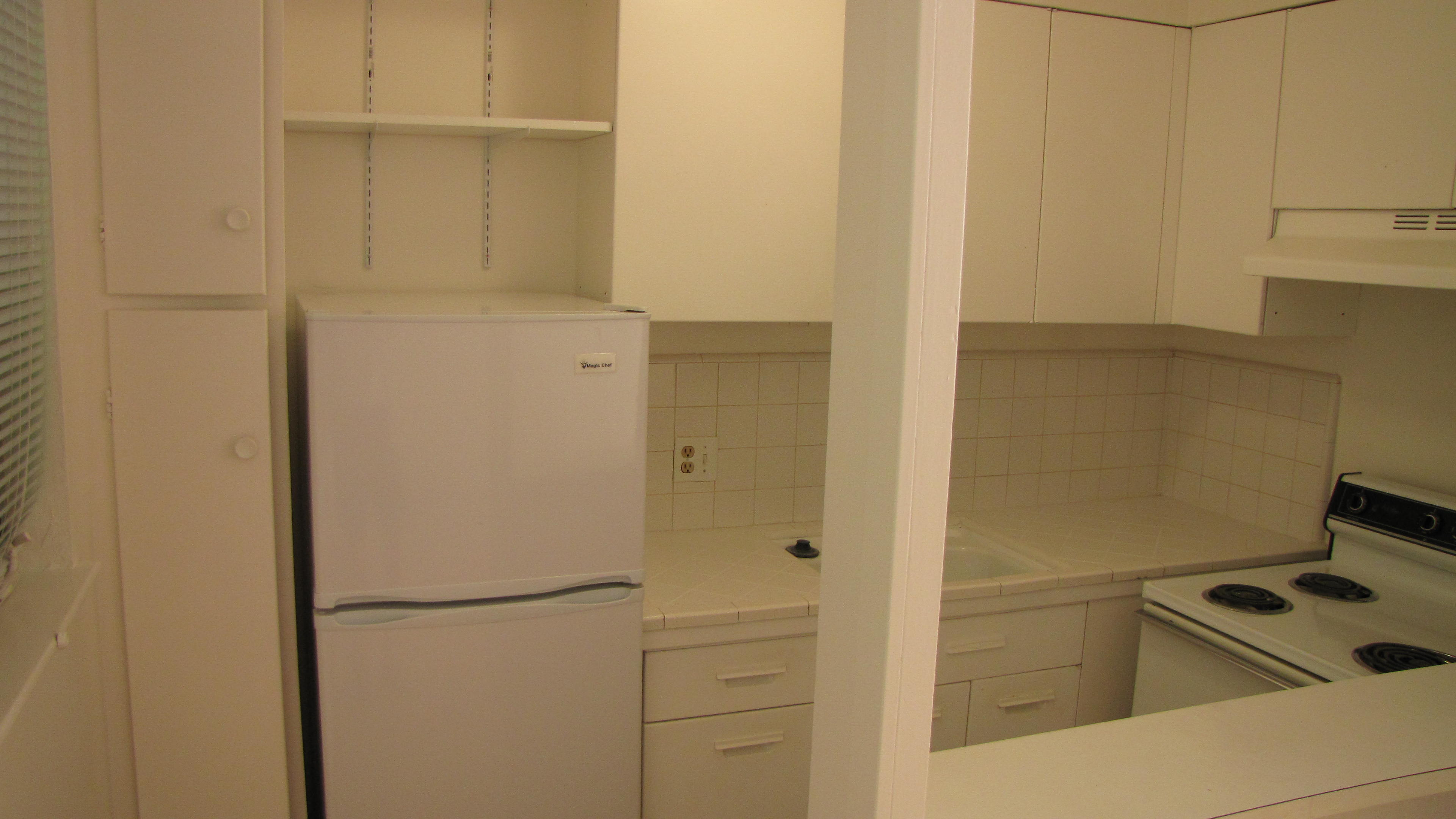 Rented Available 3 6 18 1729 G Upstairs 1 Bedroom Hardwood